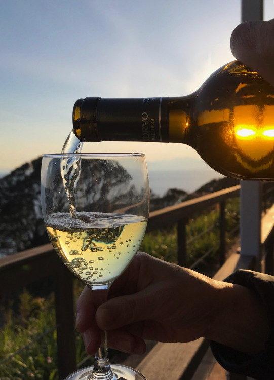 夕陽に白ワイン