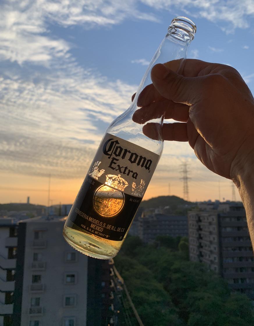 朝焼けにビール